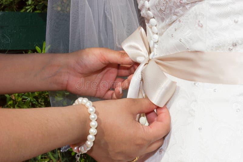 Primo piano di un vestito da sposa fotografia stock libera da diritti