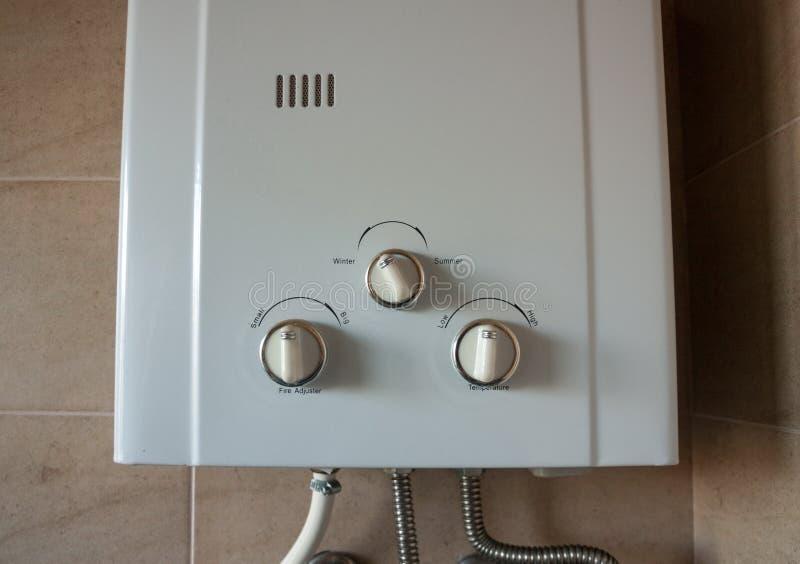 Primo piano domestico del sistema del riscaldatore a gas immagine stock