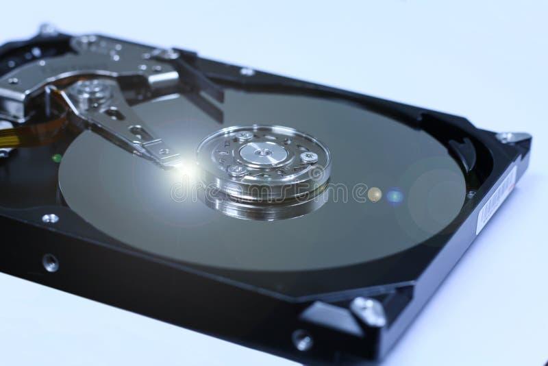 Primo piano i dischi rigidi interni del computer immagine stock libera da diritti