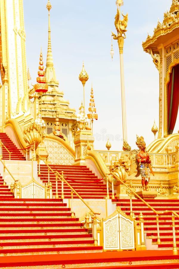 Primo piano l'architettura intorno al crematorio reale in Tailandia al 4 novembre 2017 fotografia stock libera da diritti