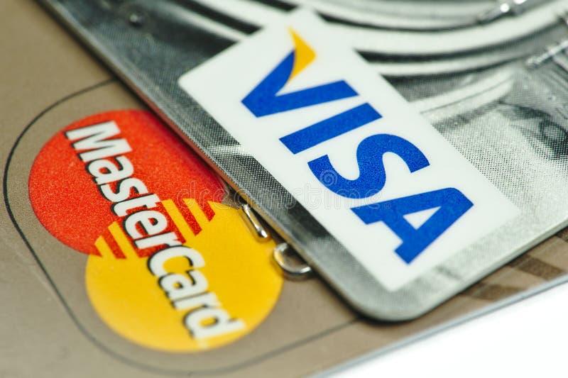 Primo piano su carte di credito del Master Card e di visto immagine stock