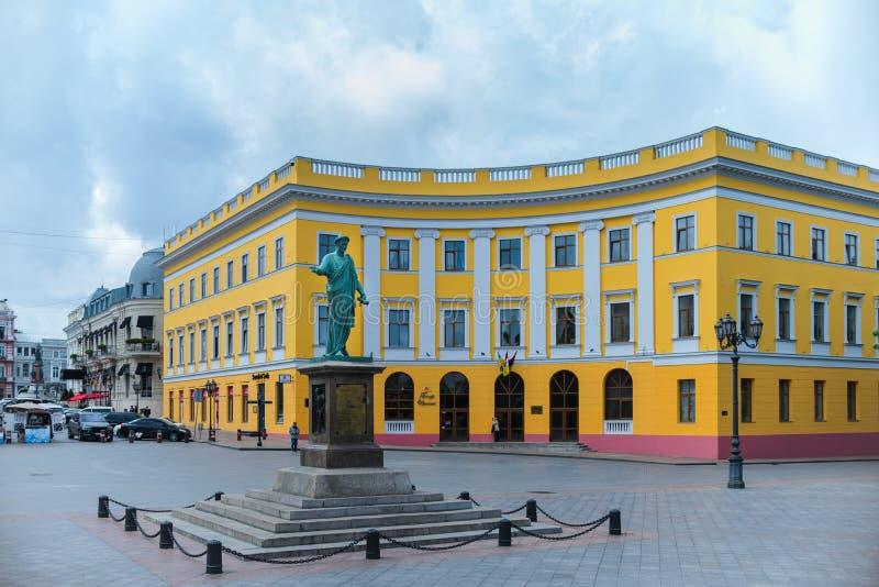 Primorsky大道 对Duc de黎赛留号的纪念碑在傲德萨 傲德萨 乌克兰 2018年5月14日 免版税库存图片