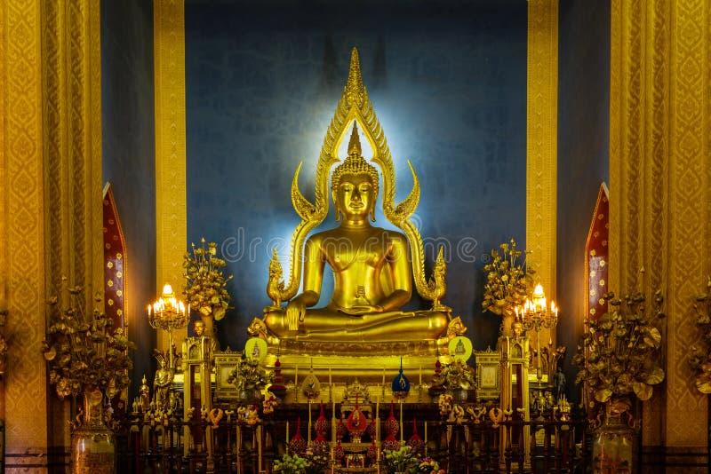 Princípio buddha no wat Benchamabophit em Tailândia imagens de stock royalty free