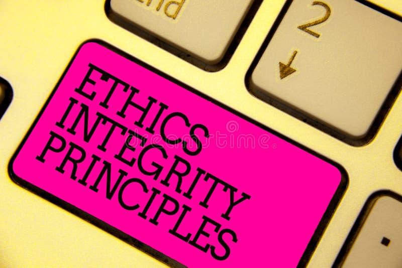Princípios da integridade das éticas do texto da escrita da palavra Conceito do negócio para a qualidade de ser honesto e de ter  imagens de stock
