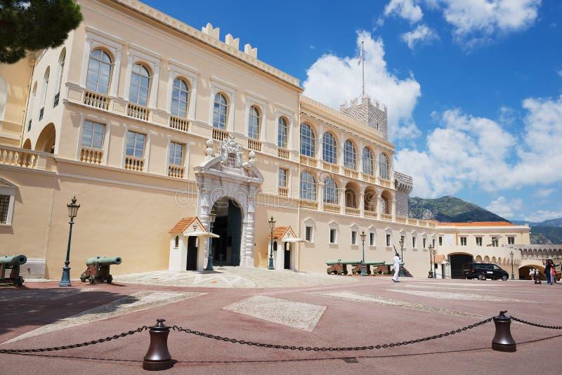 Prince&#x27的外部; s宫殿在摩纳哥,摩纳哥 免版税库存图片