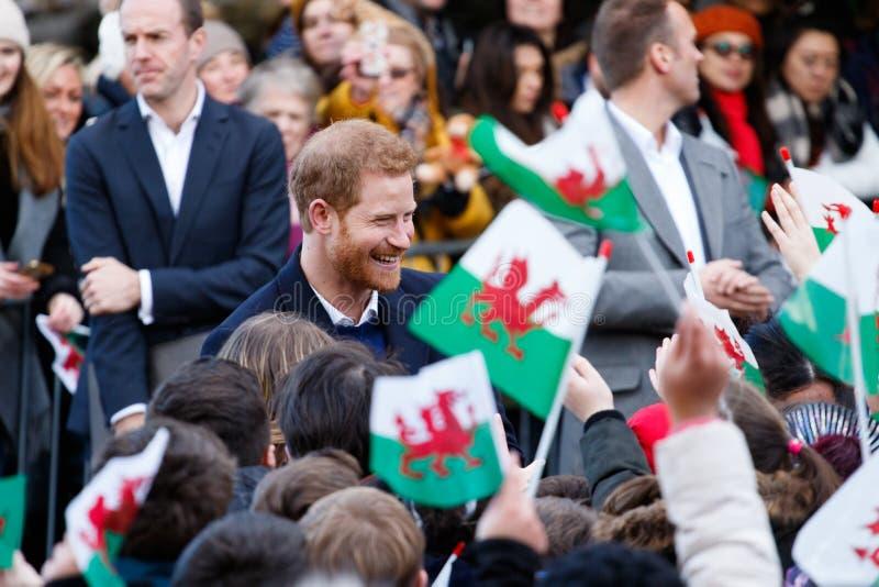 Prince Harry et Meghan Markle visitent Cardiff, sud du pays de Galles, R-U images stock