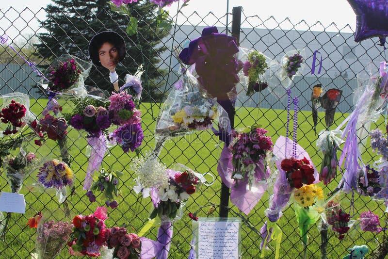 Prince le chanteur Memorial photo stock