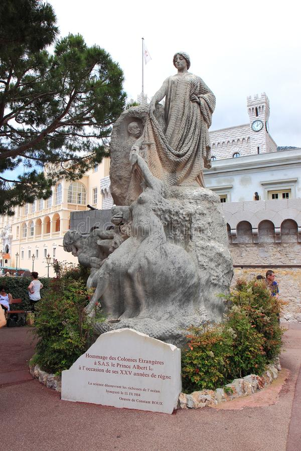 Prince Albert I statue in Monaco City. The Prince`s Palace of Monaco, built in 1191 as a Genoese fortress, is the official residence of the Sovereign Prince of stock images