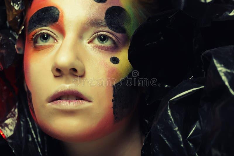 Princesa gótico bonita escura, jovem mulher, partido de Dia das Bruxas fotografia de stock