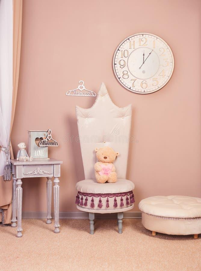 Princess łóżkowy izbowy wewnętrzny salowy obrazy stock