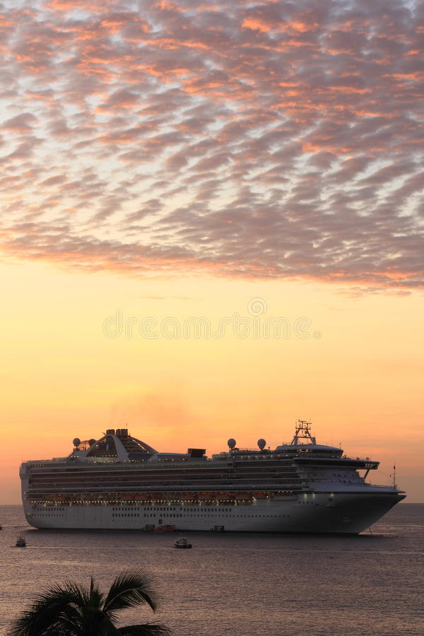 PRINCESS CRUISE SHIP AT SUNRISE royalty free stock photos