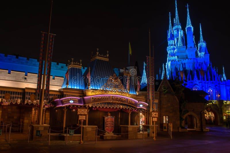 Princess Fairytale Hall e Cenerentola Castle a Magic Kingdom 214 fotografia stock