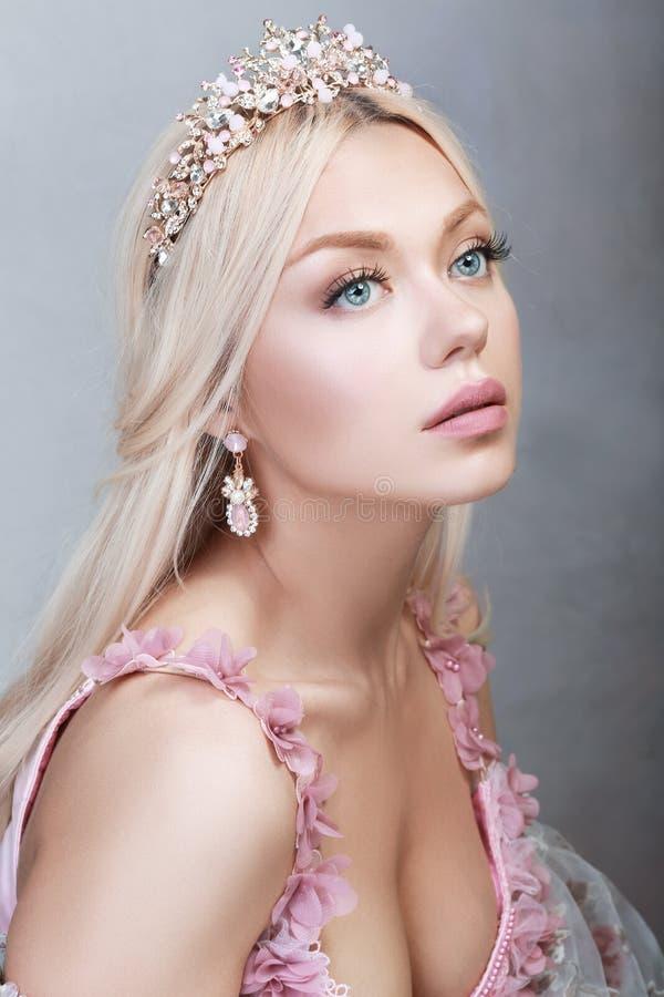 Princesse dans le rose photos stock