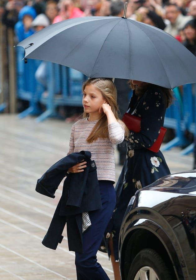 Princesse royale Sofia de l'Espagne assistant à une masse de dimanche Pâques en Majorque photographie stock