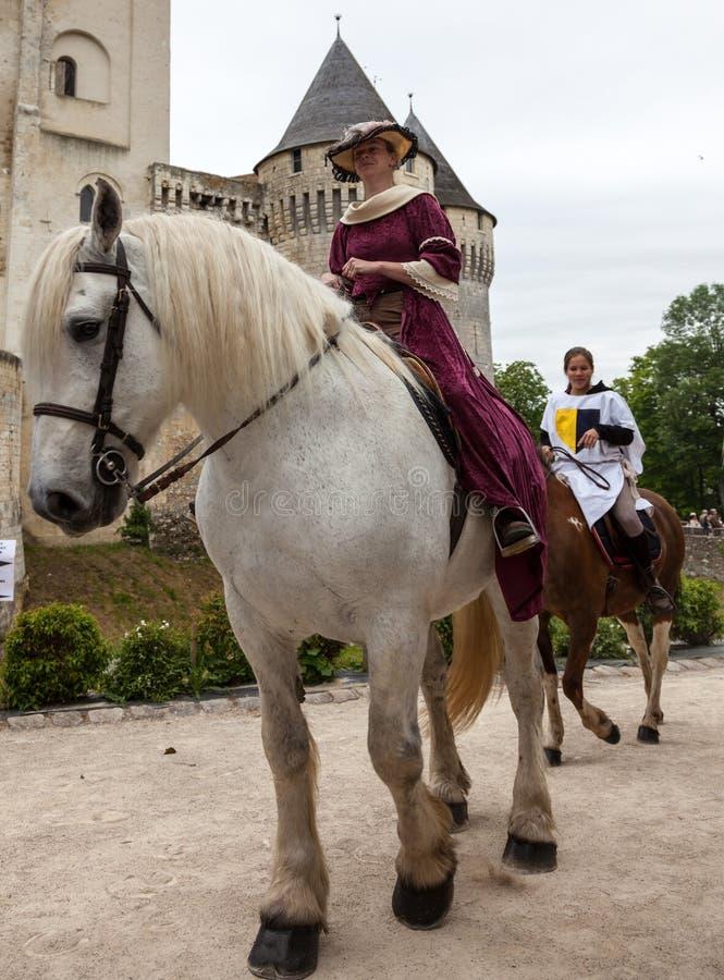 Princesses Ridning Häst royaltyfri foto