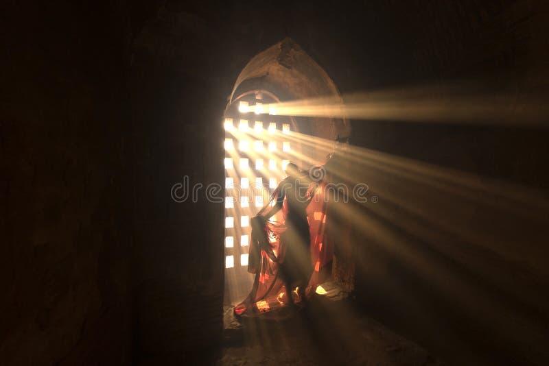 Principiante in pagoda Bagan Myanmar fotografia stock