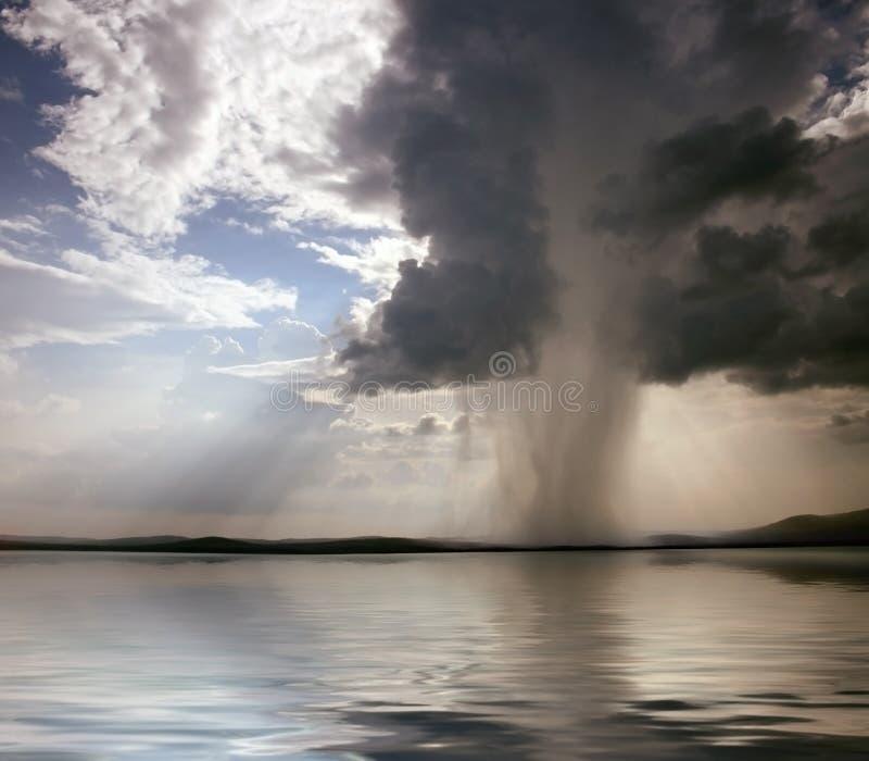 Download Principio de la tormenta imagen de archivo. Imagen de oscuro - 7204969