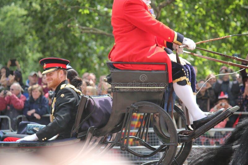 Prins Harry London het UK 8June 2019 - Meghan Markle Prince Harry George William Charles Kate Middleton stock foto's