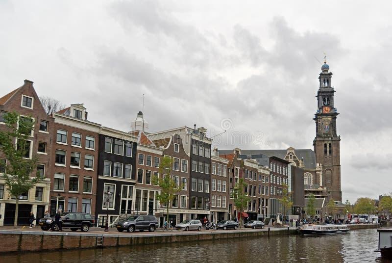 Prinsengrachtstraat met Westelijke Kerk in Amsterdam stock foto's