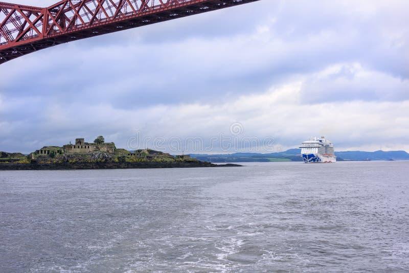 Prinses Cruise Ship in Firth van vooruit royalty-vrije stock afbeelding