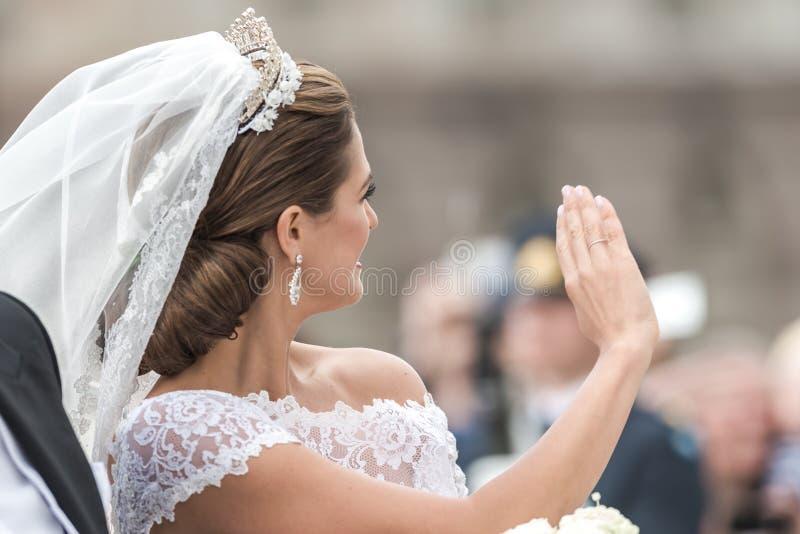 Prinses Madeleine die aan de menigte golven royalty-vrije stock afbeeldingen