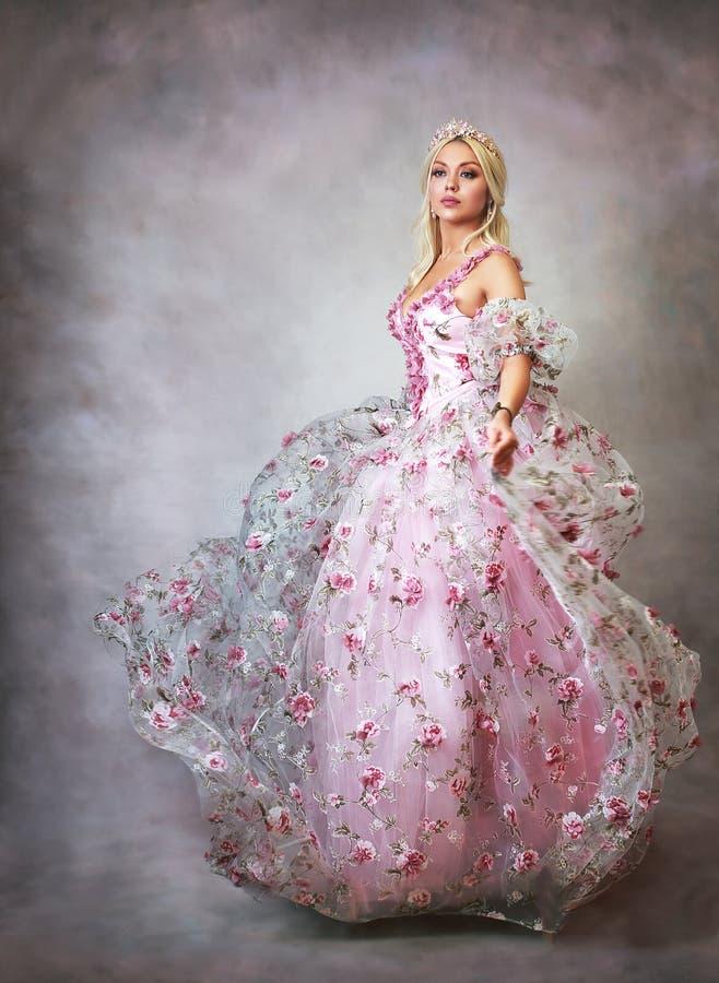Prinses in roze stock fotografie