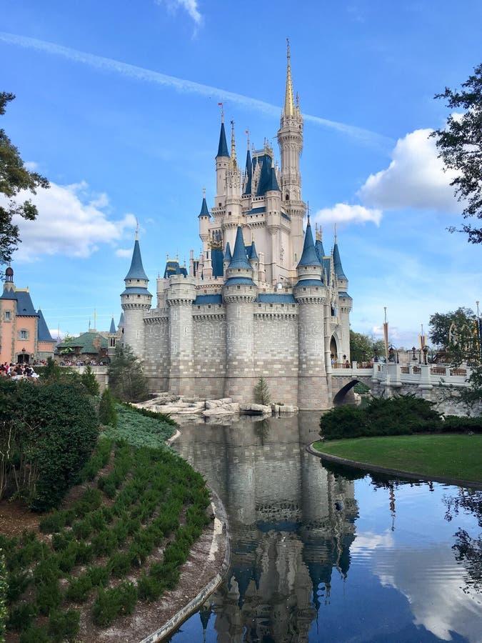 Prinsessan Castle i magiskt kungarike för den Disney världen parkerar, Orlando royaltyfri foto