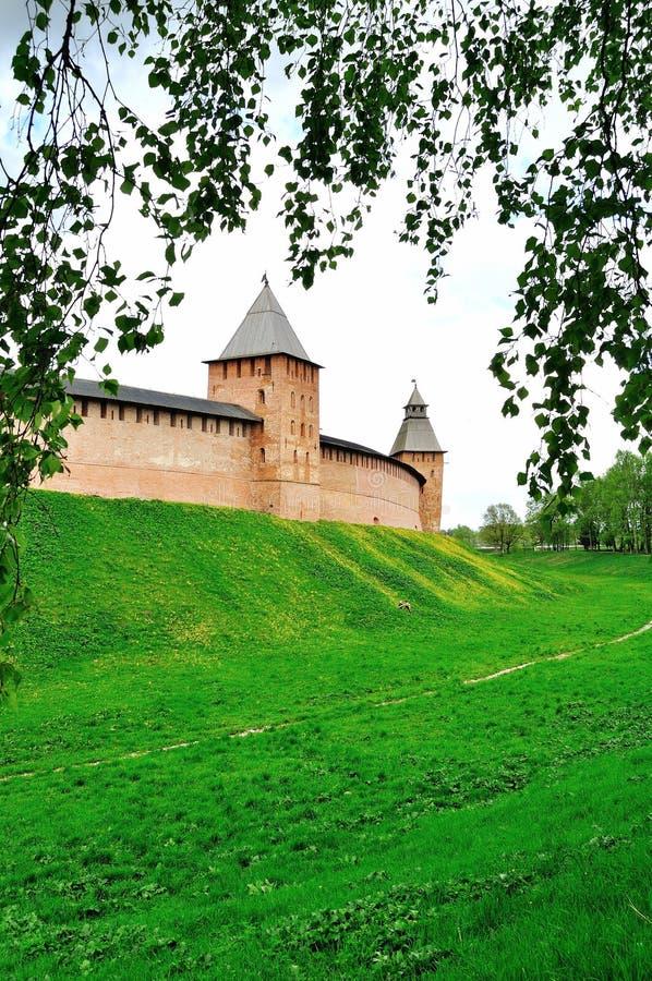 Prinstoren en Verlossertoren van Veliky Novgorod het Kremlin, Rusland stock foto's