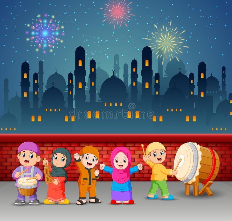 the children are plating the music tools in the night of Ramadan royalty free illustration