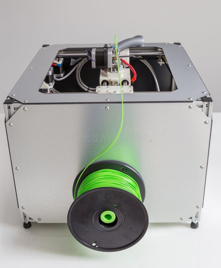 printing 3d med ljus - grön glödtråd royaltyfria bilder