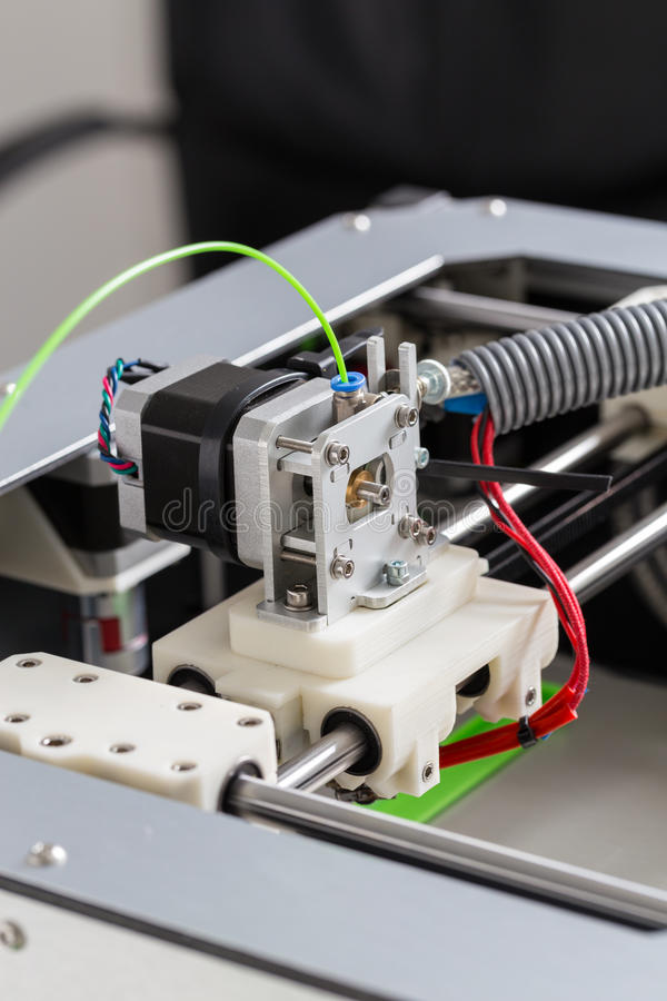 printing 3d med ljus - grön glödtråd arkivfoto