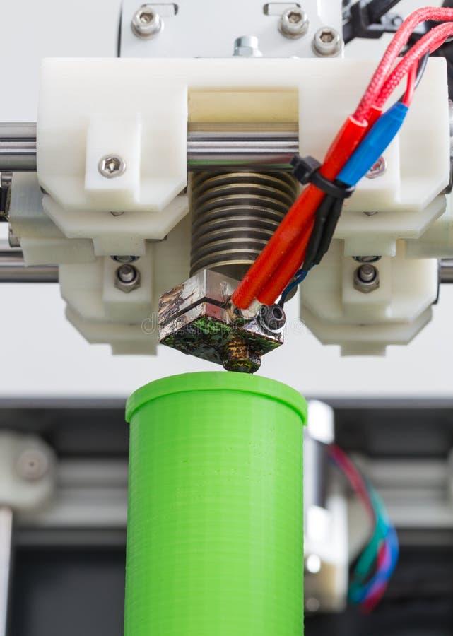printing 3d med ljus - grön glödtråd arkivbild