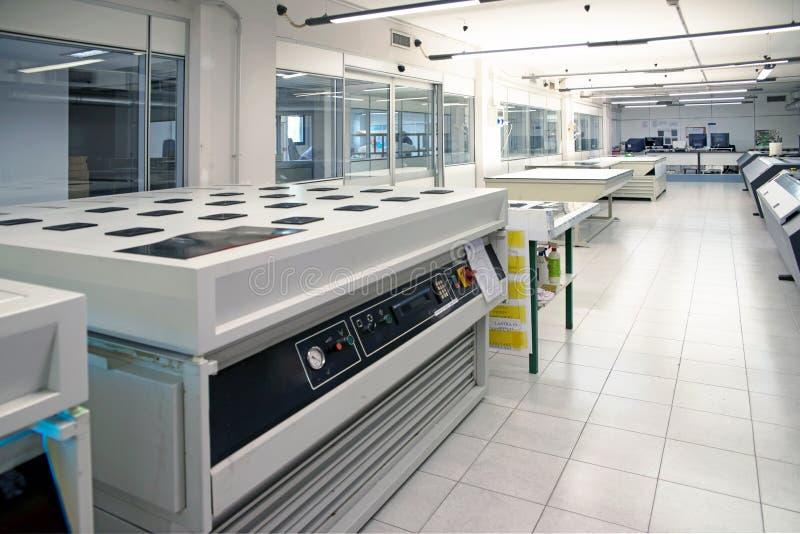 Printingväxt - Flexographic printingplattor arkivbild