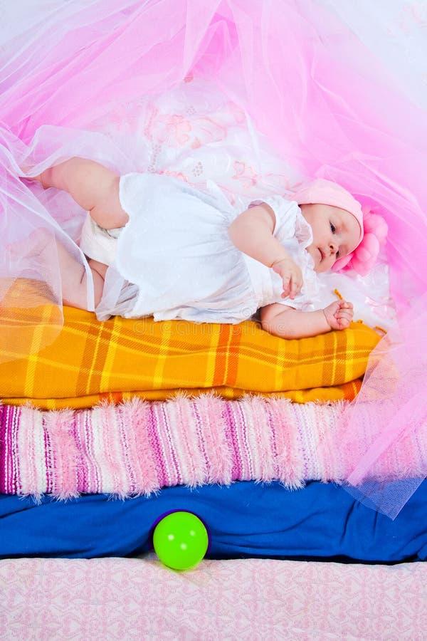 Prinzessin auf einer Erbse stockbilder