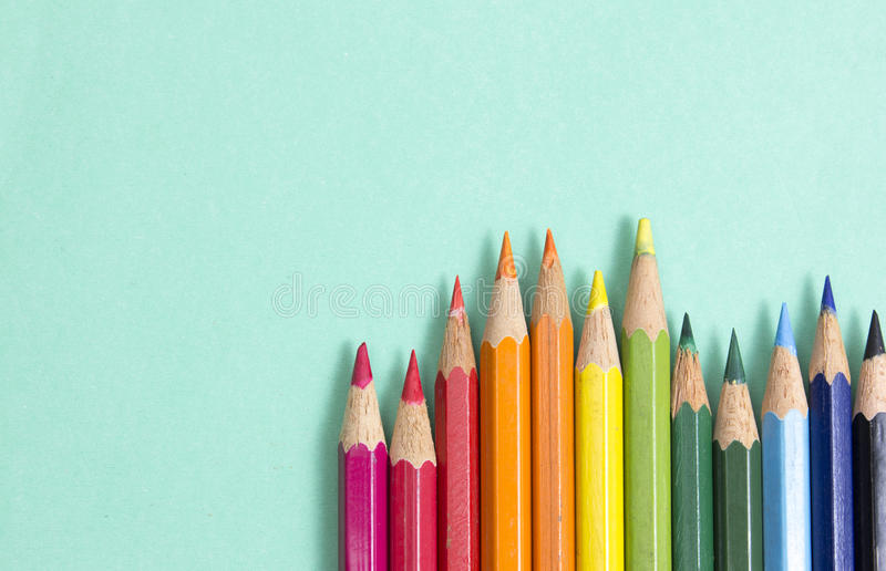 Priorità bassa dalle matite di colore immagini stock