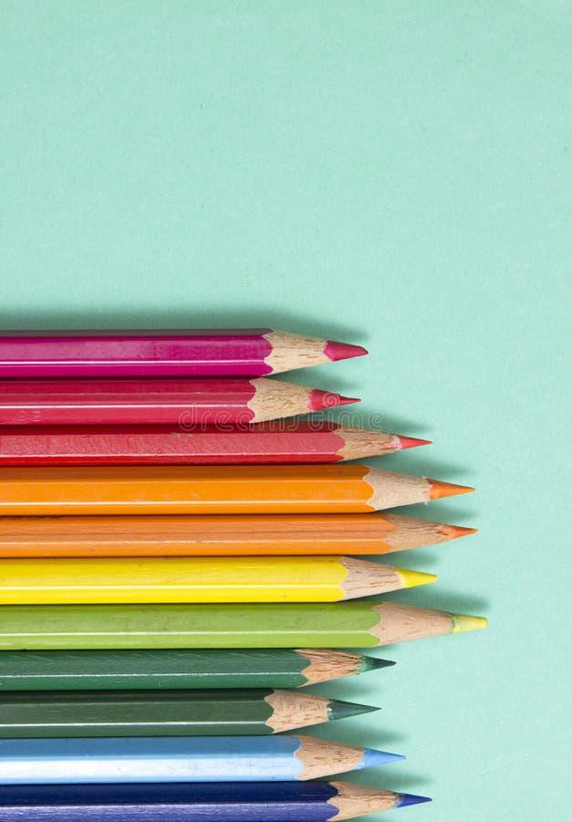 Priorità bassa dalle matite di colore immagine stock libera da diritti