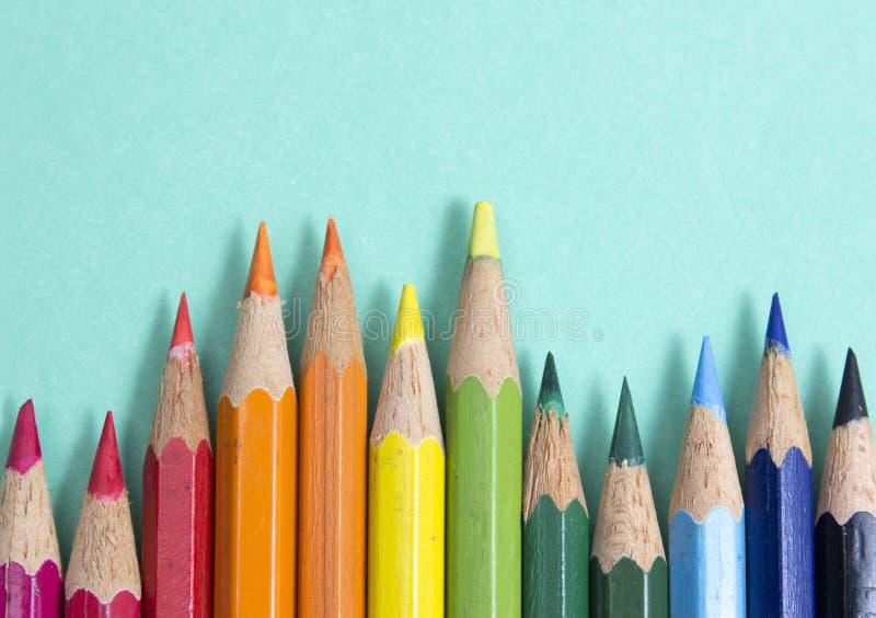 Priorità bassa dalle matite di colore fotografia stock