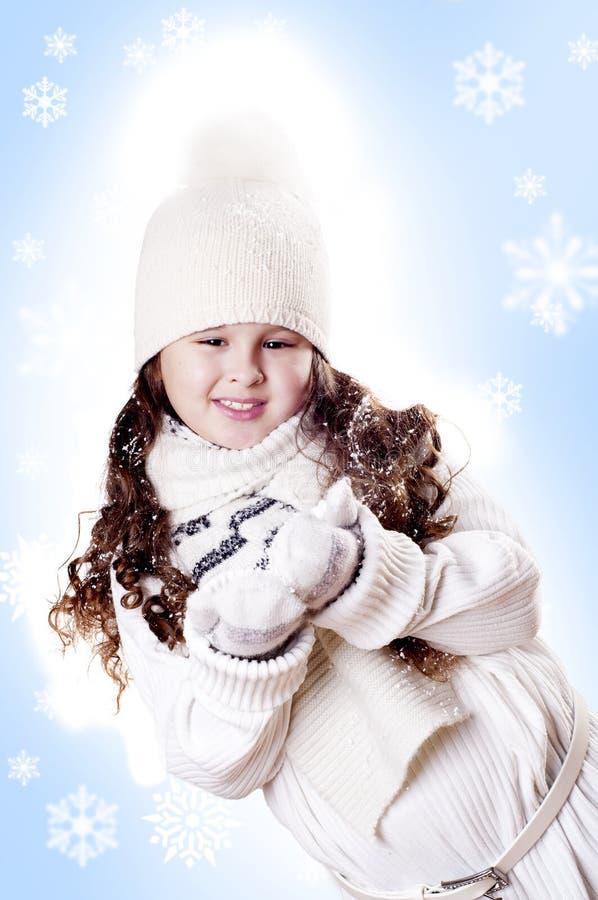 Priorità bassa dell'azzurro del fiocco della neve della ragazza di inverno fotografia stock libera da diritti