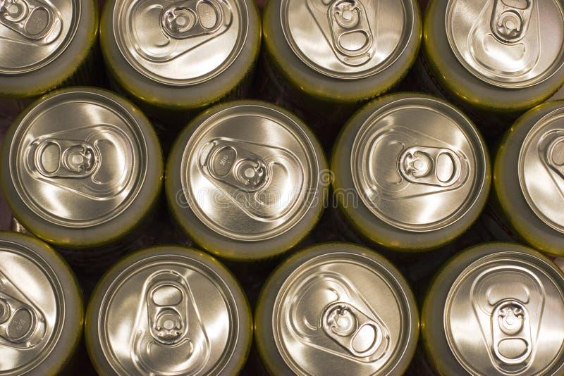 Priorità bassa della latta di birra immagine stock