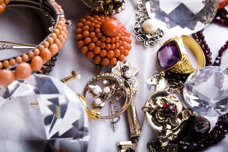 Download Priorità Bassa Delle Pietre Preziose Immagine Stock - Immagine di monili, trasparente: 7318039