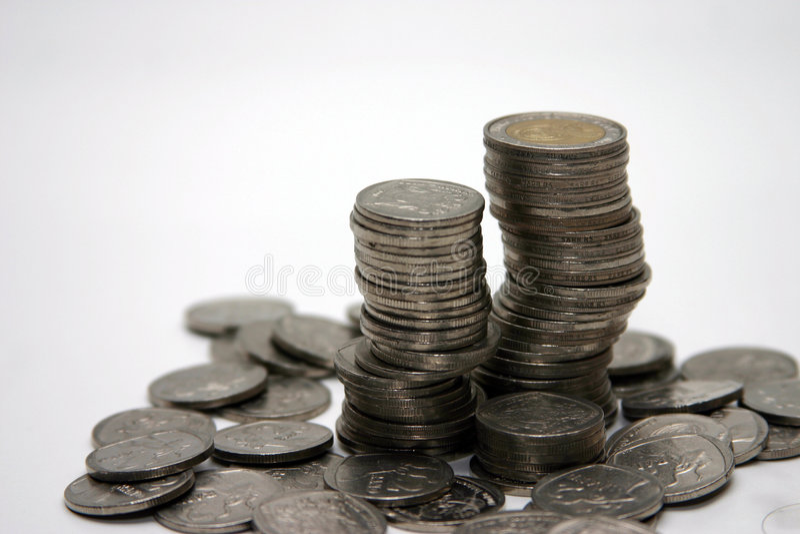 Download Priorità Bassa Di Bianco Della Pila Della Moneta Immagine Stock - Immagine di risparmi, monete: 219891