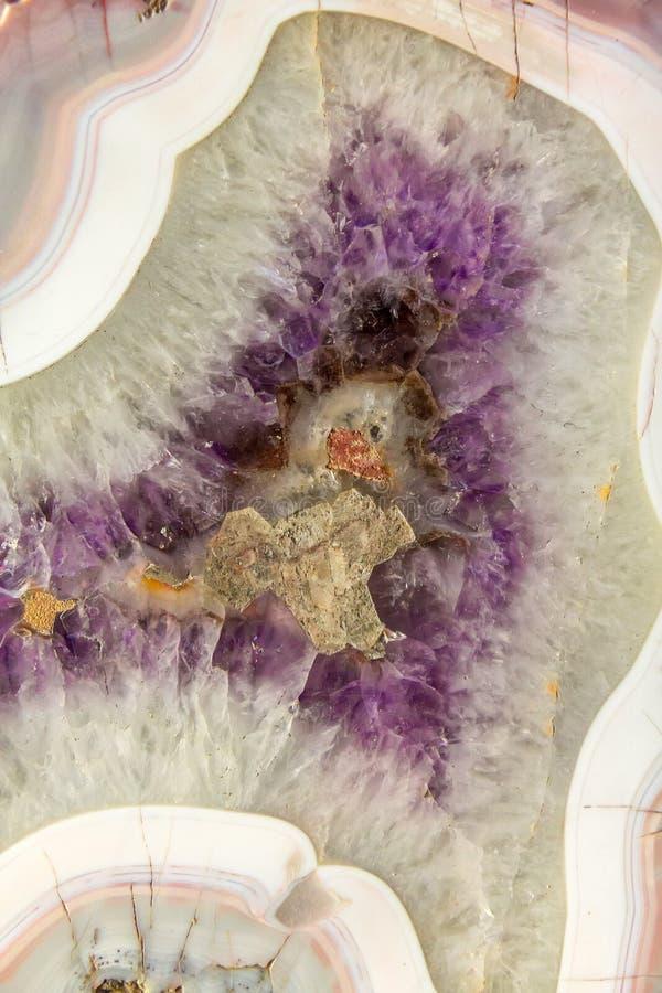 Priorità bassa di cristallo amethyst naturale immagini stock libere da diritti