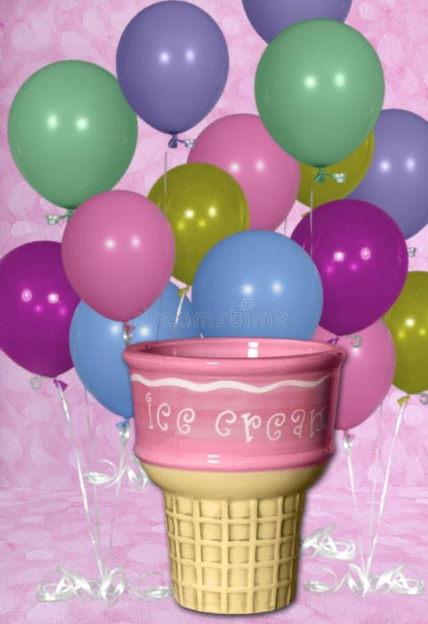 Priorità bassa di Digitahi del cono degli aerostati di compleanno e di gelato immagine stock
