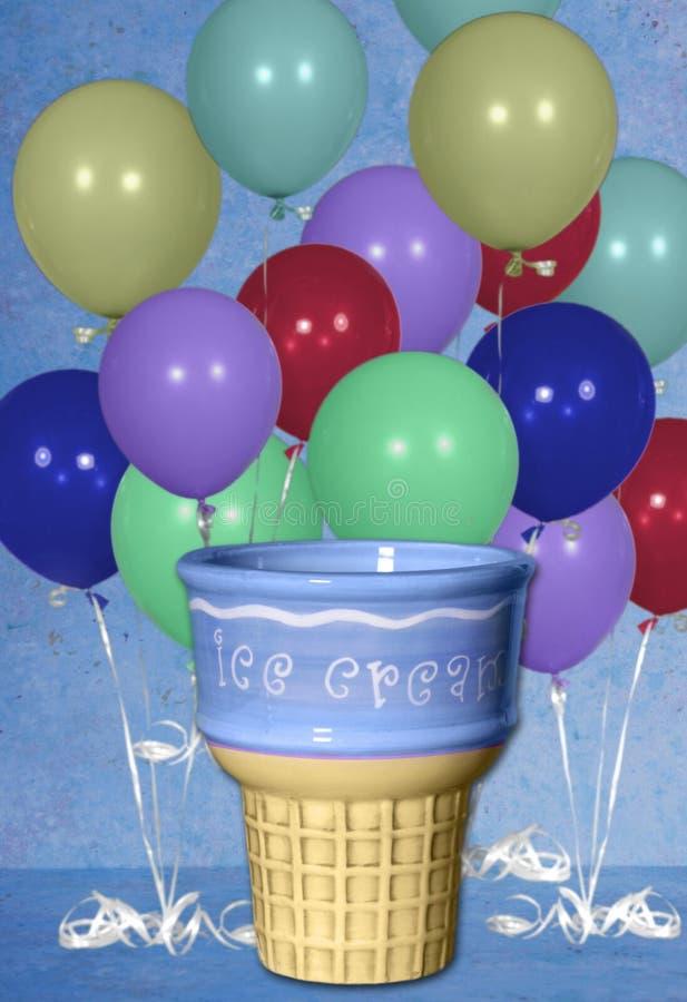 Priorità bassa di Digitahi del cono di gelato dell'aerostato di compleanno fotografia stock