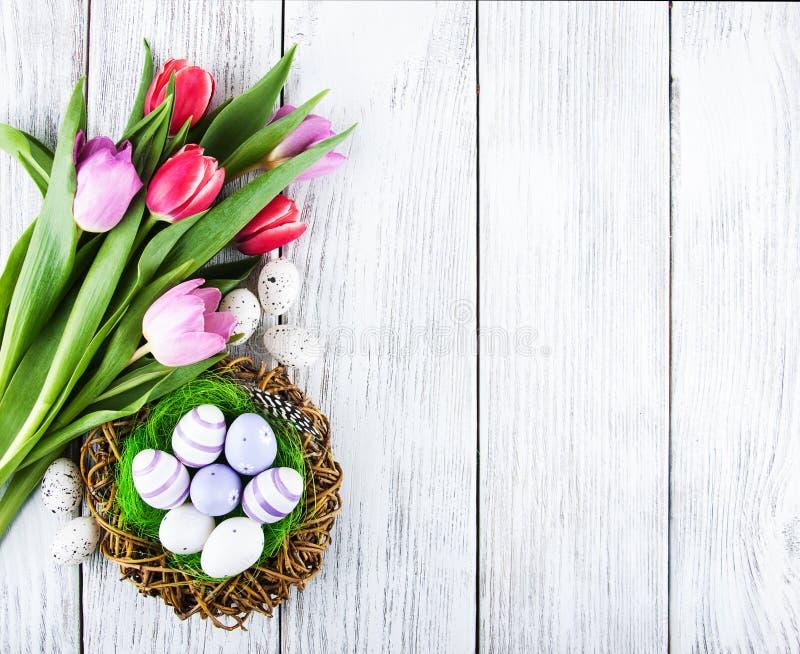 Priorità bassa di Pasqua con le uova immagini stock libere da diritti
