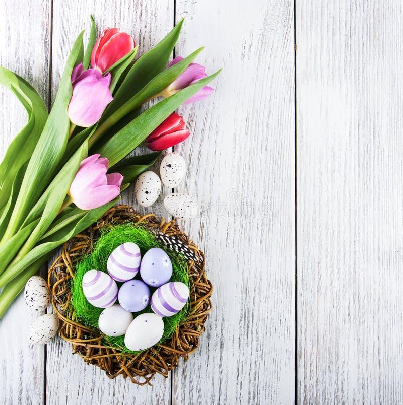 Priorità bassa di Pasqua con le uova fotografia stock libera da diritti