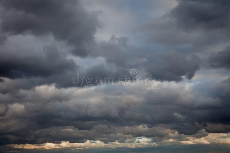 Priorità bassa tempestosa del cielo immagine stock