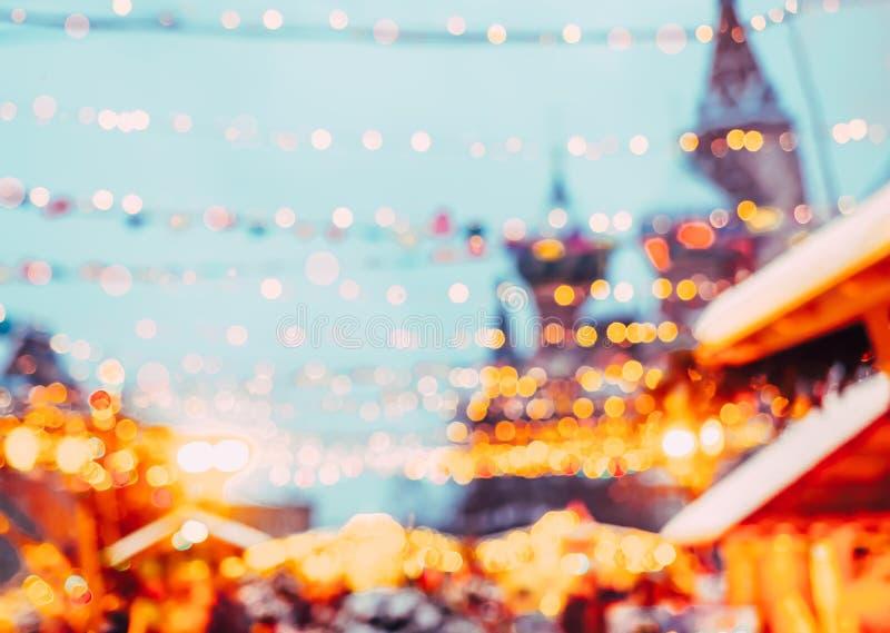 Priorità bassa vaga natale L'anno di Nev sta venendo La Russia, Mosca Illuminazione festiva della via Vista del Kremlin fotografie stock