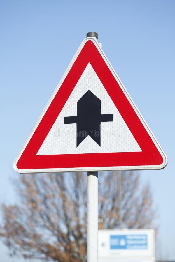 Priorytetu ruchu drogowego znak zdjęcia stock