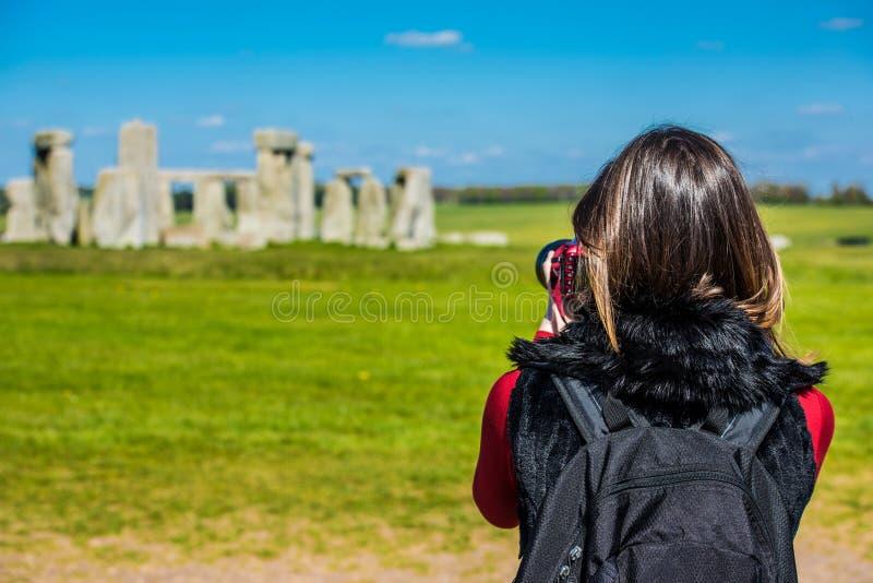 Prise d'une photo de Stonehenge photo libre de droits
